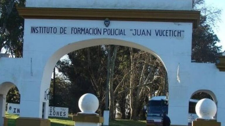 En la Escuela Juan Vucetich se forman a los integrantes de la Policía Bonaerense.
