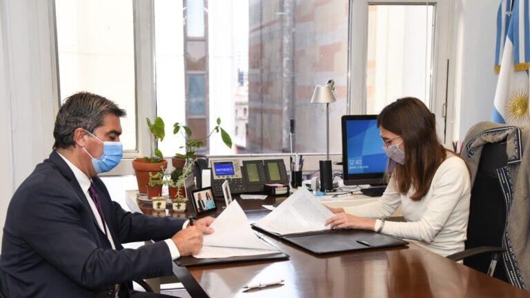 Jorge Capitanich firmó un acuerdo con la Anses para recibir 2.400 millones de pesos para Chaco