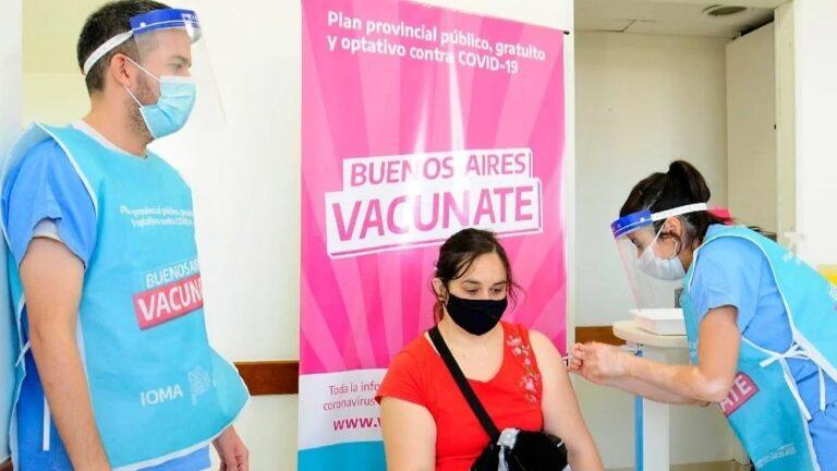 Provincia acelerará vacunación contra el Covid-19 en personal de escuelas para favorecer la vuelta a clases presenciales.