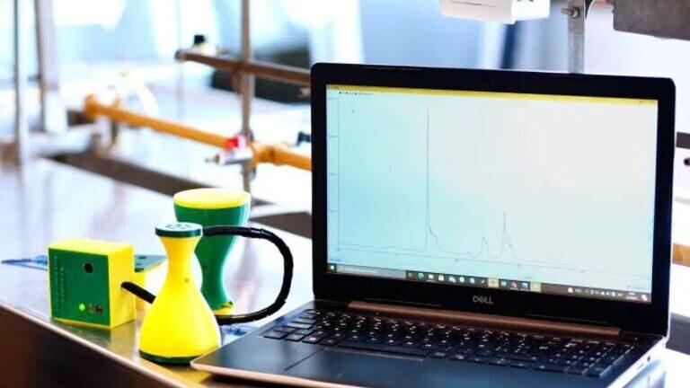El dispositivo para controlar el nivel de CO2 brinda información precisa en tiempo real.