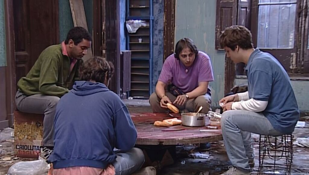 Una de las escenas de Okupas filmadas en la casona de San Fernando.
