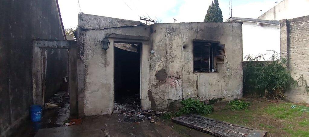 La familia perdió absolutamente todo lo material en el incendio.