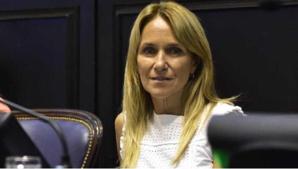 Durísimo discurso de la diputada Barros Schelotto por el ataque al memorial por el Covid-19