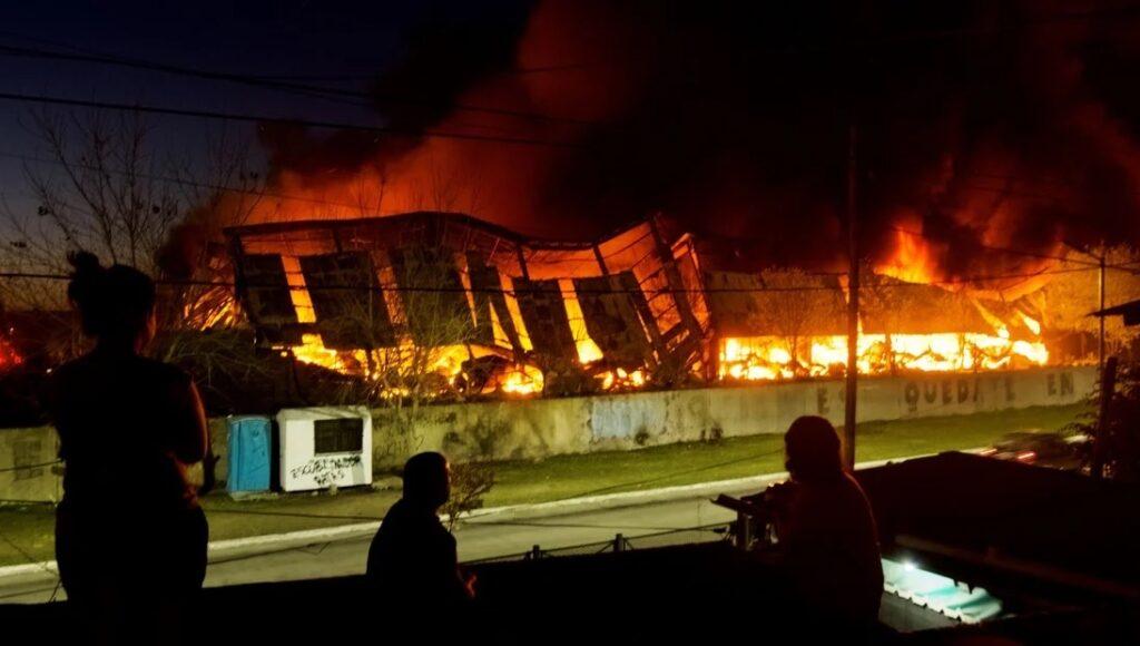 Bernal Quilmes Incendio Fábrica Mayra Mendoza