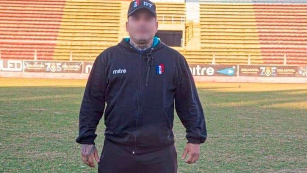 Detuvieron a un DT de Deportivo Español: lo acusan por abuso sexual a una chica de 15 años