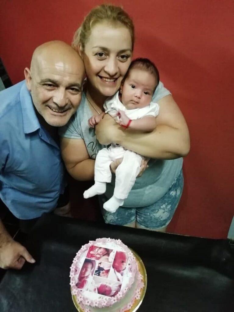 La foto que eligió Mercado para despedir a su hija y sus padres.
